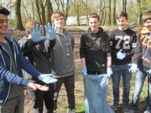 Die Schülerfirma SIGS ist ausgerüstet und somit Müll-startklar